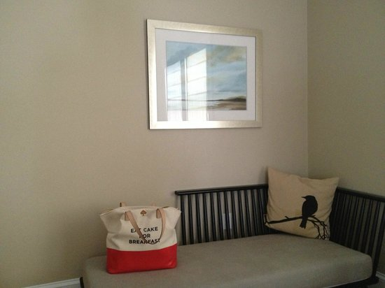 Woods Hole Inn :                   Room Details
