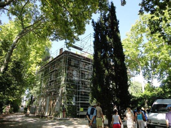 Hotel Cezanne:                   Jas de Bouffan (casa de Cezanne)Passeio imperdível!