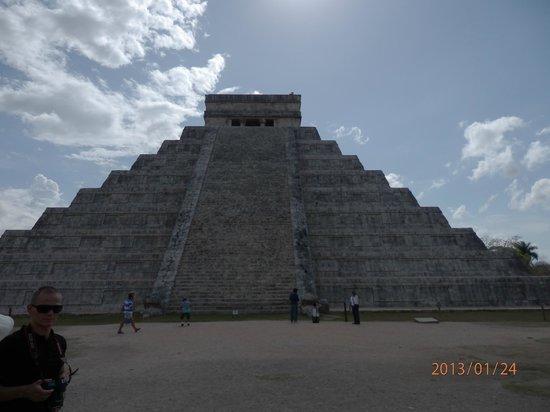 Hotel Riu Playacar :                   чичен-ица пирамида кукулькана