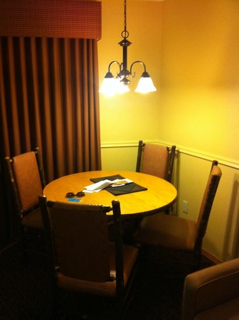 Wyndham Durango: Dining/card table