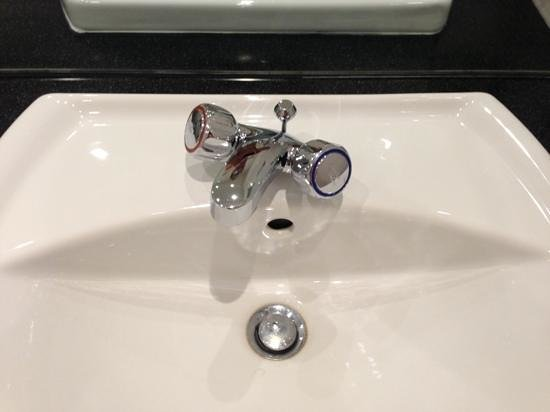Metro Hotel Dublin Airport:                   poorly fitted loose taps
