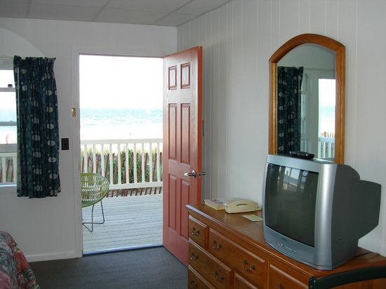 The Copley LaReine Motel: Ocean Front Views