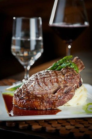 Hideaway Steakhouse: Juicy Ribeye Steak