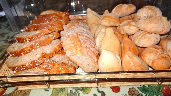 Pousada De Guimaraes Santa Marinha: Brot