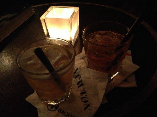 Newton Bar :                   Whiskey sour
