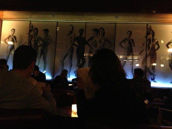 Newton Bar :                   Lounge area