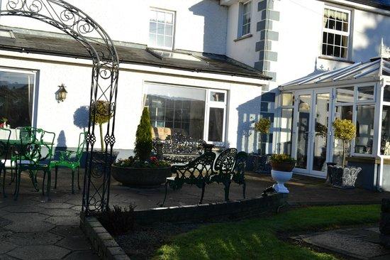 Glasha Farmhouse:                   Glasha patio and garden