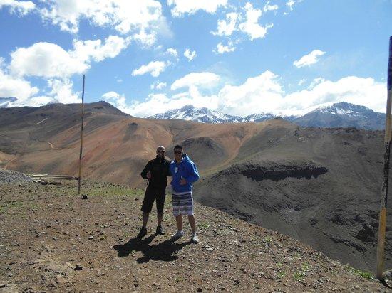Hostal Providencia:                   Cordilheira dos Andes...passeio contratado com agência de turismo local e ajud