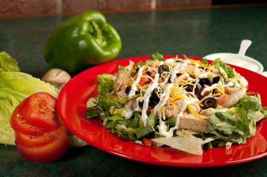 Pepperjax Grill: Fresh Salad with Chicken