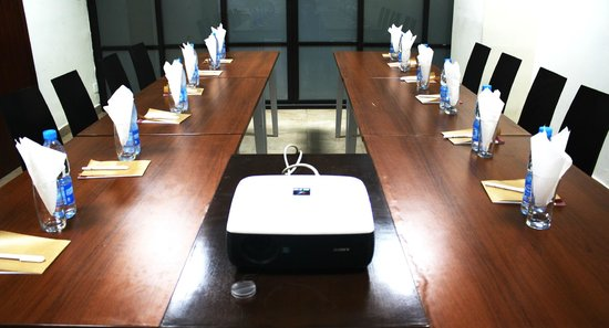 Three Arms: Meeting Room