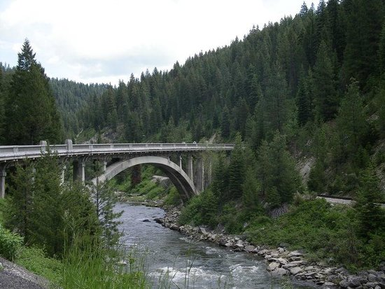 Alpine Lodge and Motel: Rainbow Bridge on Payette River (1/2 hour from motel)