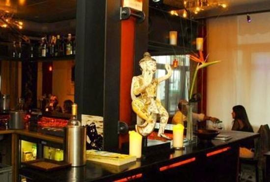 Le Thai:                   le bar