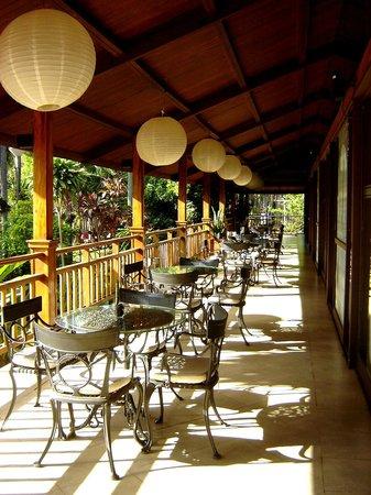 Raices Esturion Hotel:                   desayunador al aire libre