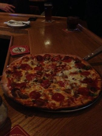 Delafield Brewhaus: Their Pizza !!