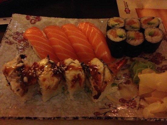 Izumi - Restaurant - Sushi Bar: Sushi plate