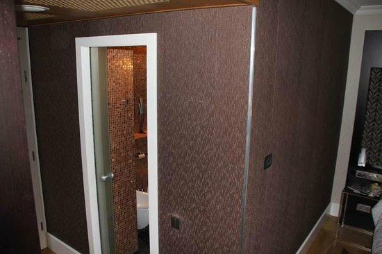 Eurostars Thalia Hotel:                   Badezimmertür