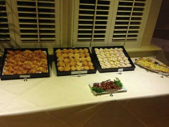 The Rochford Hotel: Buffet food