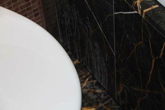 Eurostars Thalia Hotel:                   Dreckige Fleisen