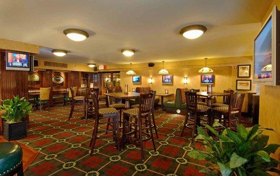 O'Malley's Pub Tysons Corner : O'Malley's Pub Dinning Room