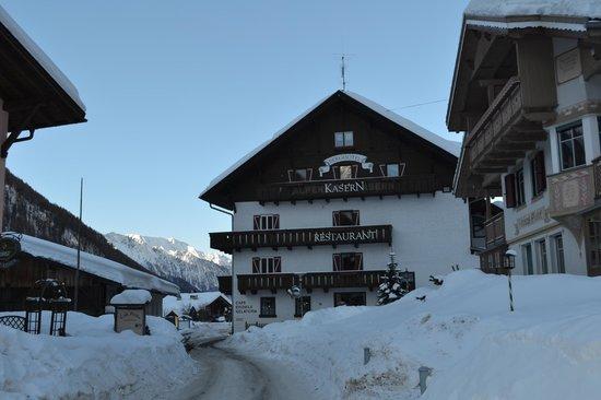 Berghotel Kasern:                   vista del retro hotel