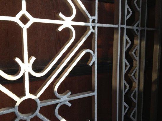 Vytautas the Great War Museum: Push hard. Big door.