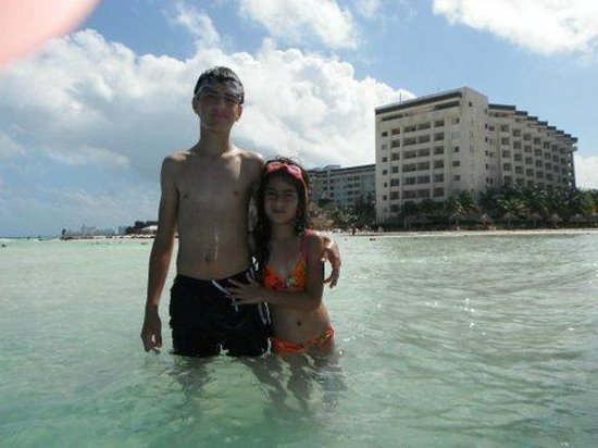 Casa Maya Cancun:                   El hotel Casa Maya visto desde el mar