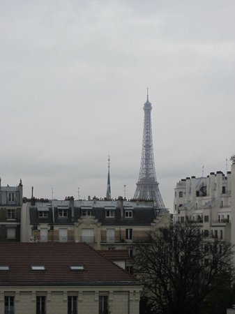 HotelHome Paris 16:                   View from the girls' hotel window