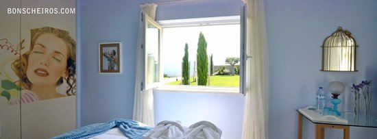 Quinta dos Bons Cheiros: the colour of dream with a view to Sintra mountain..