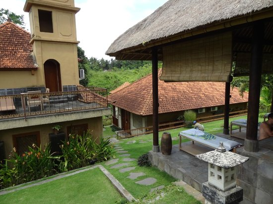 Hotel Villa-Ubud:                   widok z centrum spa