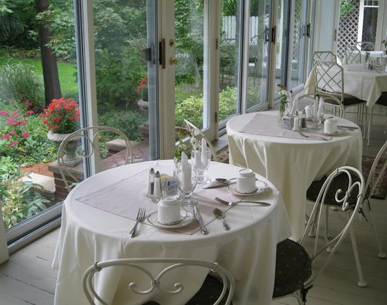 Maplewood Hotel: Dining Porch