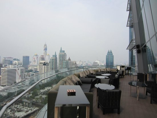 The Okura Prestige Bangkok:                   Bar terrace