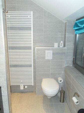 Hotel Victoria :                   Salle de bains