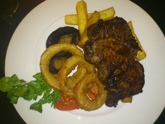 The Crown at Woodbridge: ribeye steak with the works
