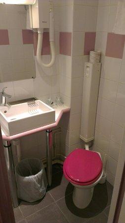 Pink Hotel:                   Salle de bain/WC