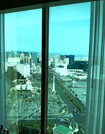 Four Seasons Hotel Las Vegas:                   Strip view room