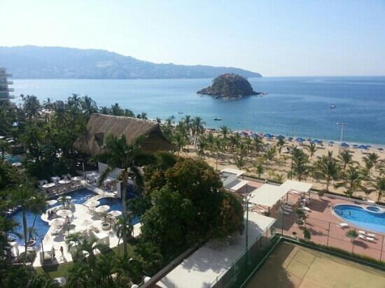 Emporio Acapulco Hotel:                   bedroom view