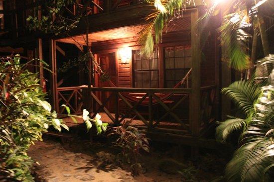 Las Rocas Resort & Dive Center:                   Habitacion