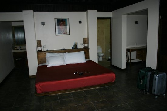 TikiVillas Rainforest Lodge & Spa:                   Our room