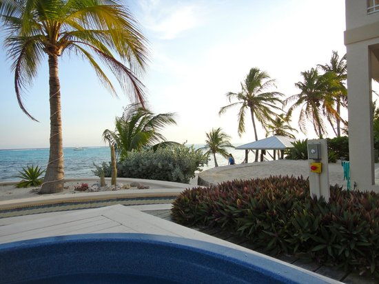 The Club at Little Cayman : View from hot tub