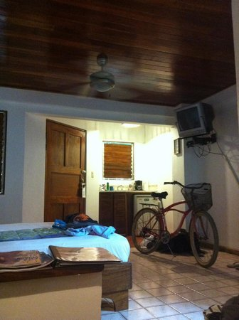 Harbor Reef Surf Resort:                   room 8