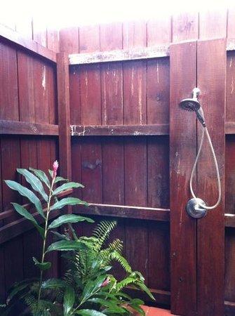 Stonefield Villa Resort:                   Outdoor shower!