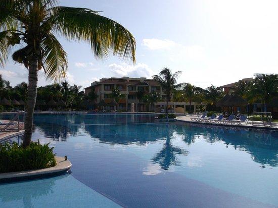 Grand Bahia Principe Coba:                   Main Pool
