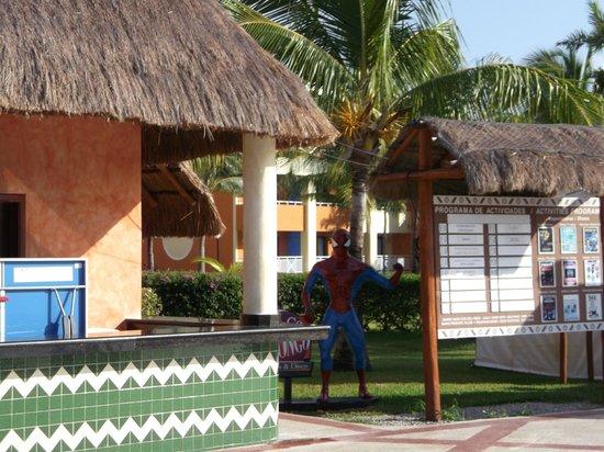 Grand Bahia Principe Coba:                   At the main pool