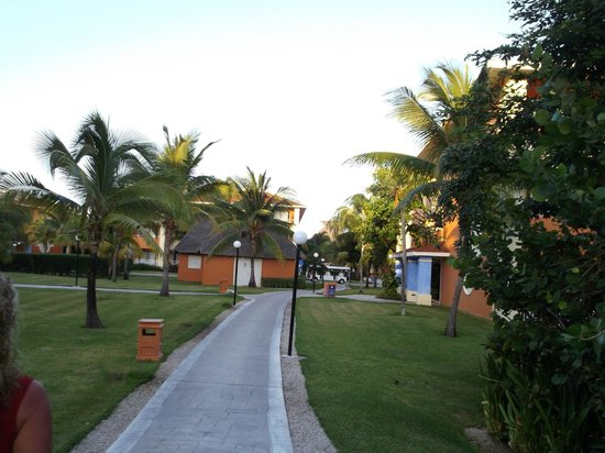 Grand Bahia Principe Coba:                   To te bungallows