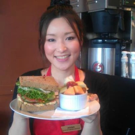 Duncan's Bistro and Bar: Build your own sandwich and fruit salad