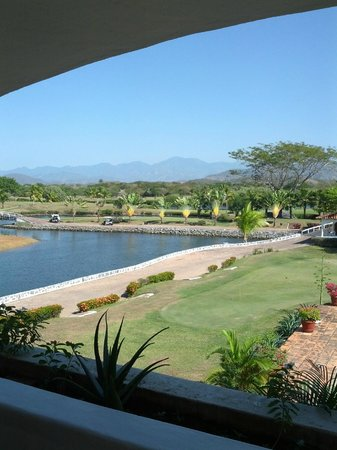 Marina Ixtapa Golf Course Restaurant:                   View from the breakfast table on the terrace