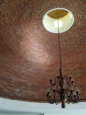 Marina Ixtapa Golf Course Restaurant:                   Inside the spectacular brick dome entranceway