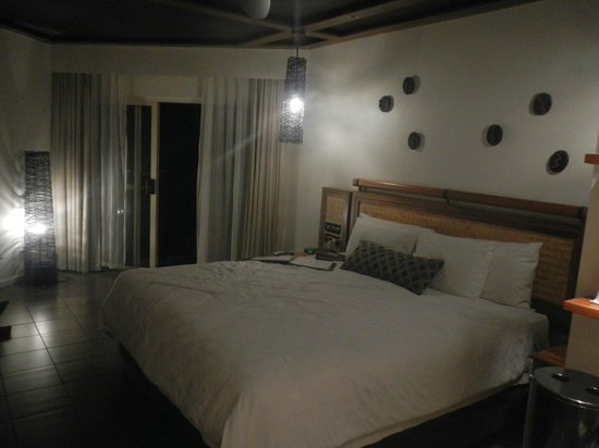Outrigger Fiji Beach Resort: Hotel room