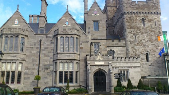 Clontarf Castle Hotel:                                     Beautiful Castle