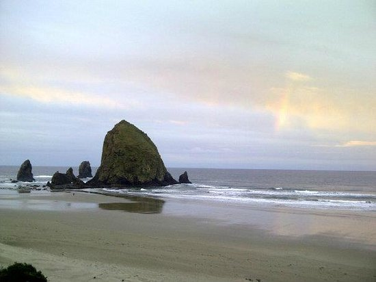 Hallmark Resort Cannon Beach:                   Haystack Rock (view from our balcony)